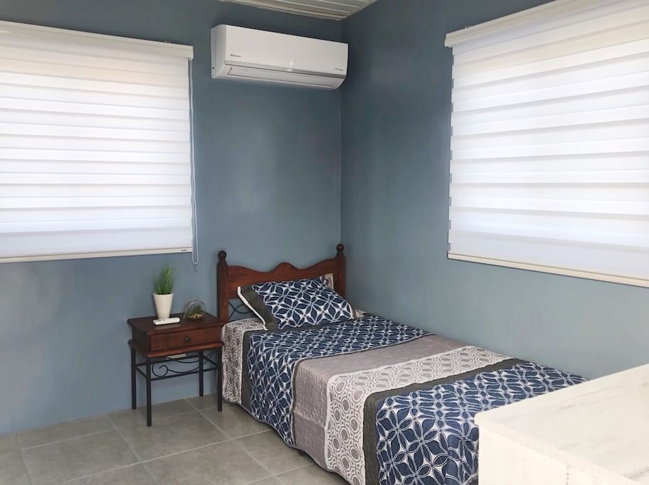 Single bed with airconditioning