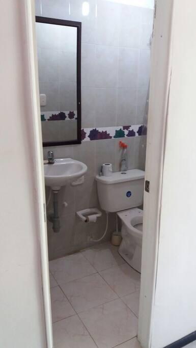 Baño Alcoba # 1