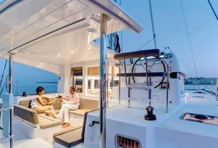 Catamaran Yacht - LAGOON 39