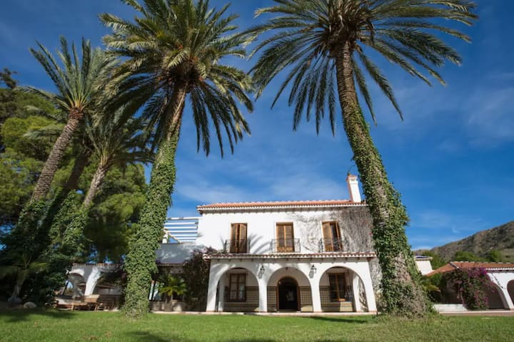 Traditional Holiday Home in Novelda with Private Pool