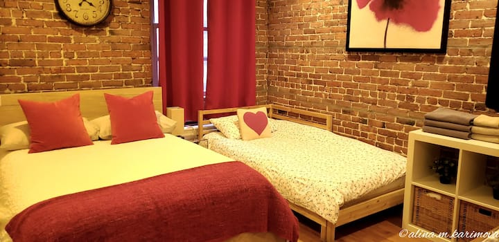 A+ Location City Studio with Double & Twin Bed