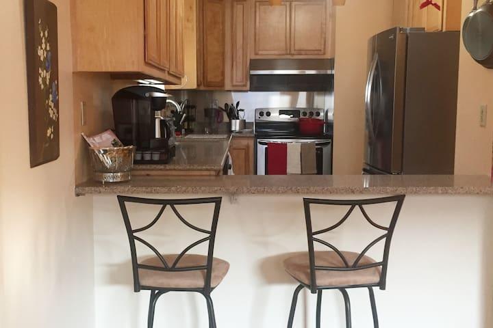 Kingdom Host-Newark_Master Suite Monthly Rental