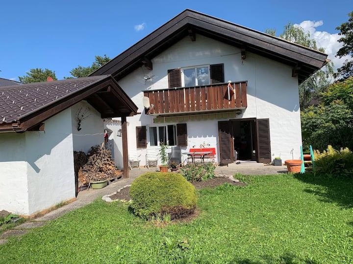 Haus mit schönen Ausblick +Garten (6 Personen)