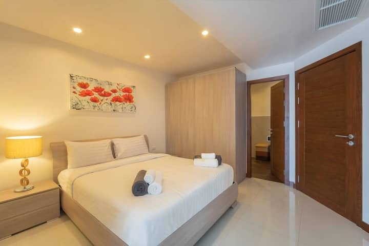 CD  Deluxe one bedroom with Sea View