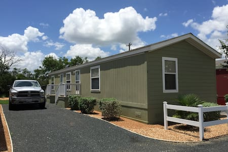 New - 2 bedroom homes - Dilley - Casa