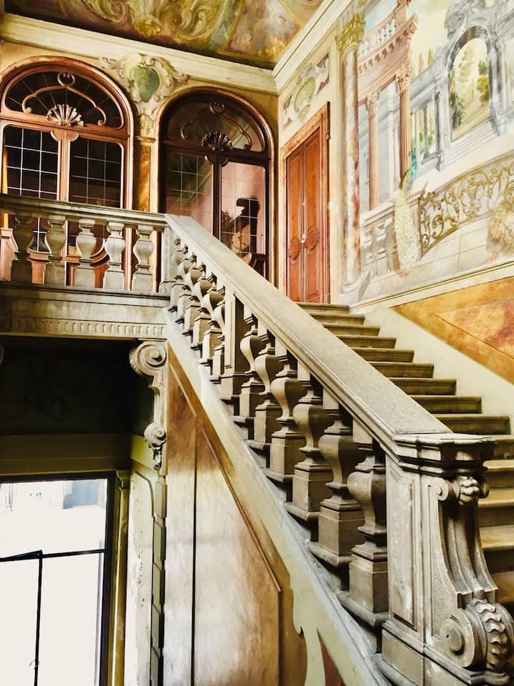 Bilocale in bellissimo palazzo storico