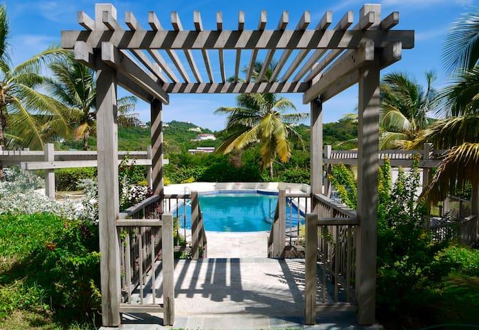 3 bedroom luxury - Villa Carouge - Cap Estate - Gros Islet - Willa