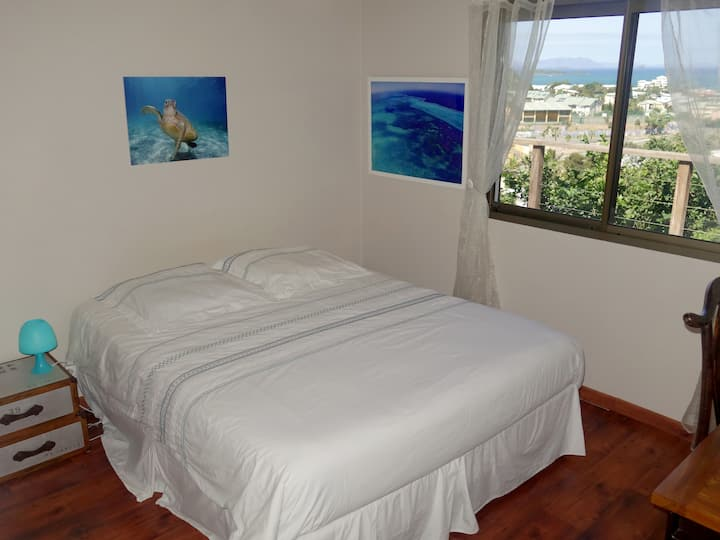 "Bedroom named ""turquoise dream"" with sea view"