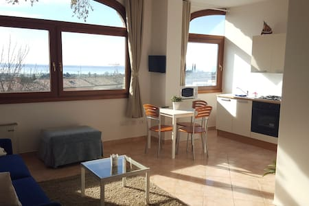 ROMANTIC APPARTMENT LAKE VIEW! - Cavaion Veronese - Lejlighed