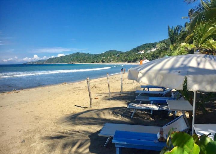 Junto al Río Beachfront Hotel - Bungalows