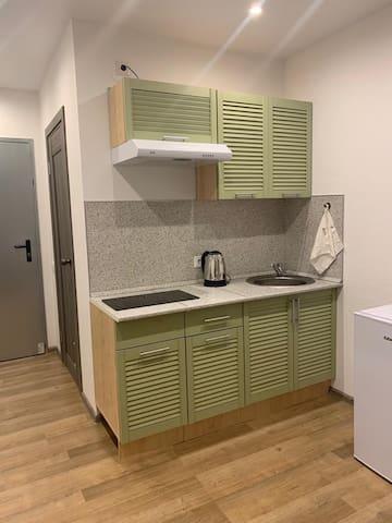 Уютная, чистая, с новым  ремонтом квартира-студия