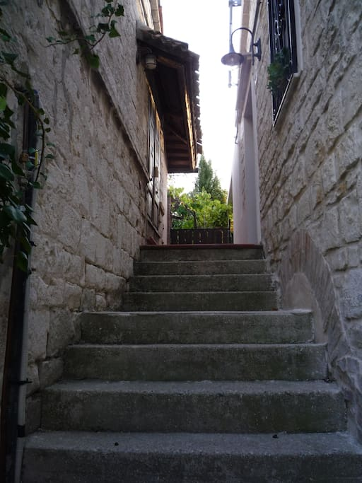 A few steps to the apartment entrance