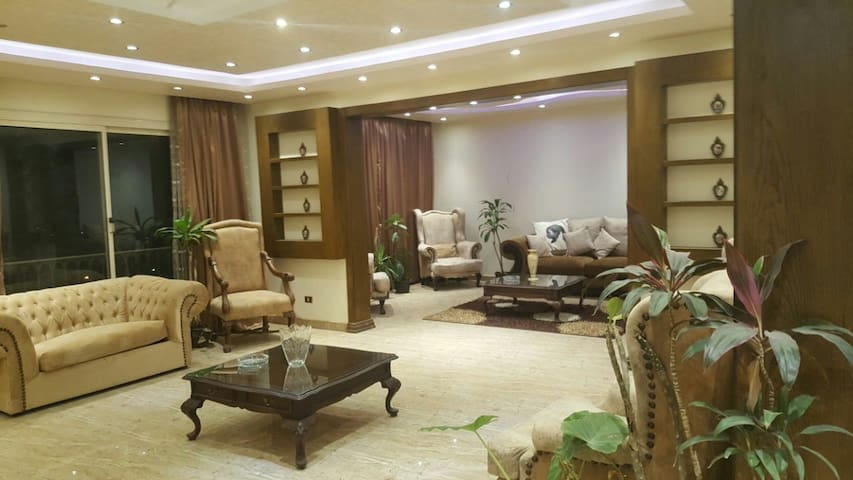 Luxury Apartment with Nile River and Pyramids view