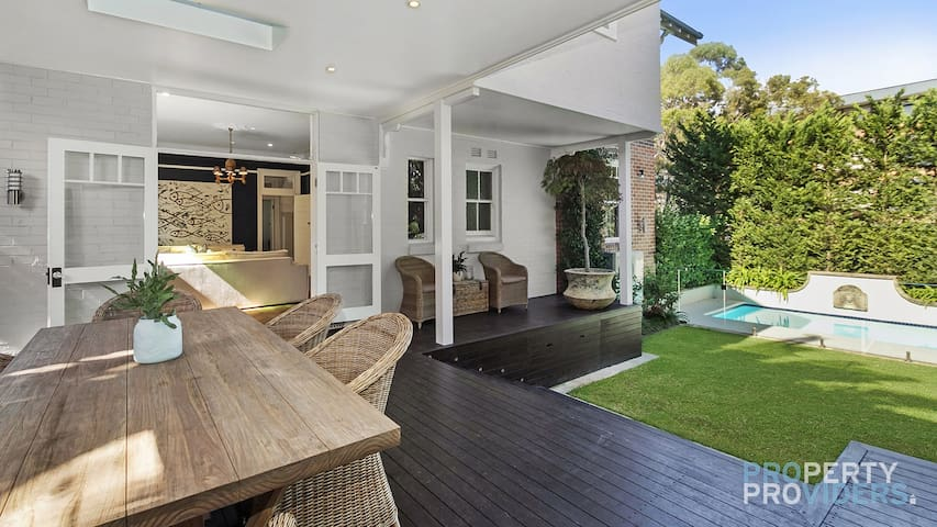 PROS - Radiance Holiday Villa on Raglan