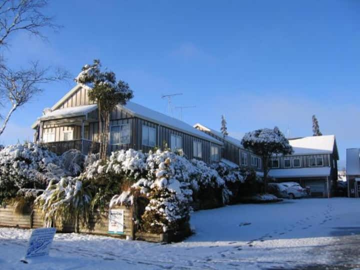 Howard's Mountain Lodge - Mt Ruapehu