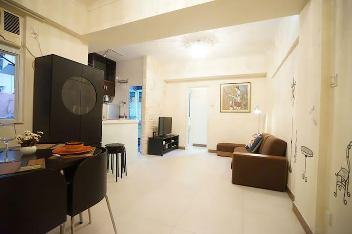 Wanchai Nice & Big w 3bedrooms next MTR
