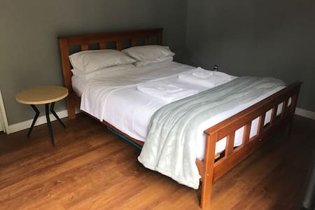 Your own private sleep out - Hastings - Rumah