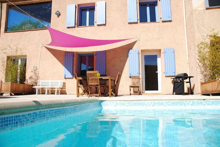 """Appartement """"Basilic"""" dans Villa à flanc de coteau"""