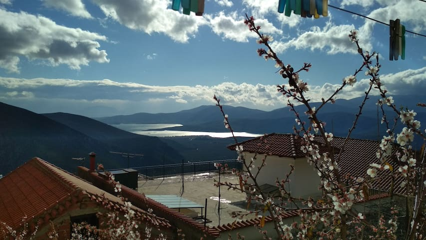 Apartment with Nice view In Delphi!