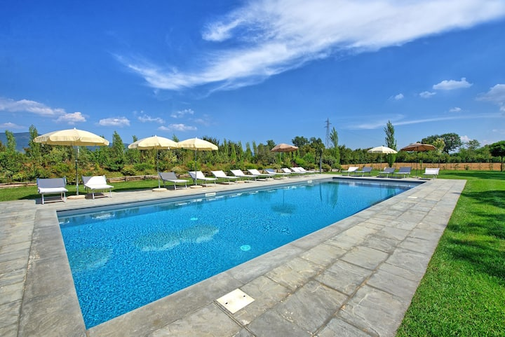 Villa Cangeli - Vacation Rental with swimming pool in Valdichiana, Tuscany.
