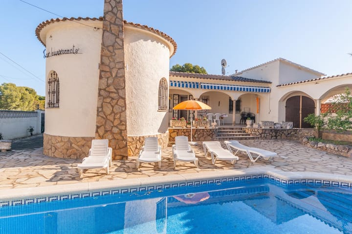 Fantastic Holiday Home with Private Pool in L'Escala