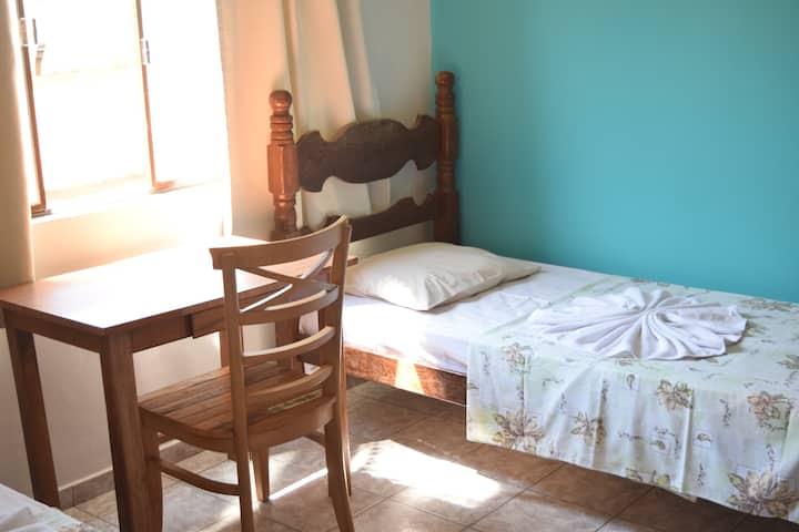 Quarto confortável em Ipatinga/MG (2)