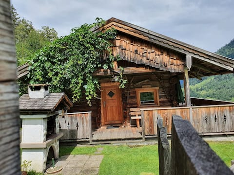 Tauernwelt- Alpine hut & outdoor sauna