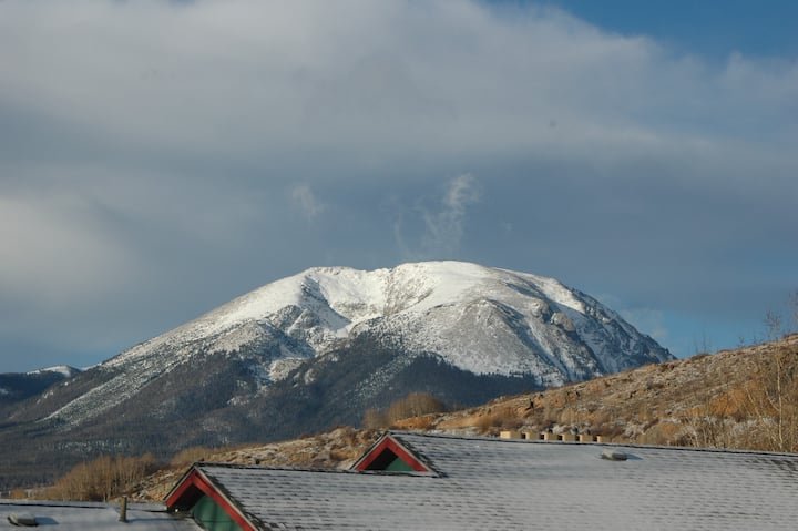 Entire Private Beautiful Mountain Condo