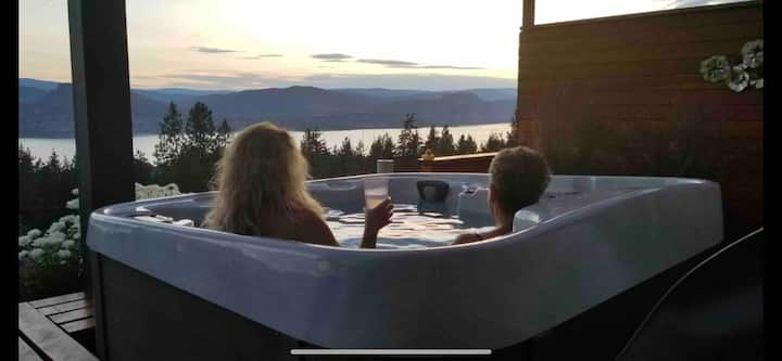 Airbnb  Naramata - Spectacular former Lottery Home