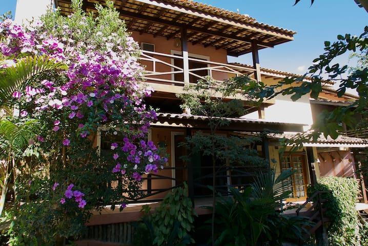 Casa tranquila + WIFI 50MB, NETFLIX, Ilhabela, SP