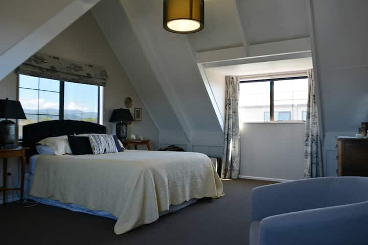 Haven on Hampton - Bed with Breakfast Included