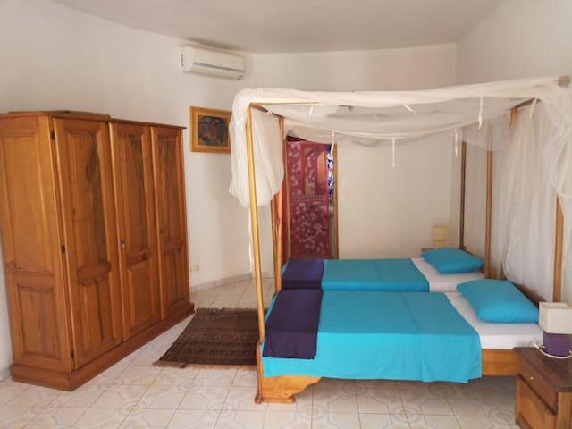 Chambre Privée 2 Villa Rosatha Pieds dans l'eau