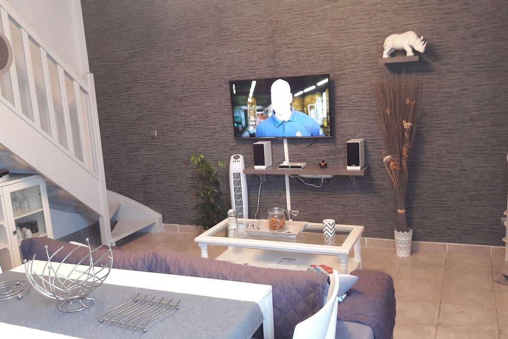 vacances entre le canal du midi et la m dit ran e. Black Bedroom Furniture Sets. Home Design Ideas