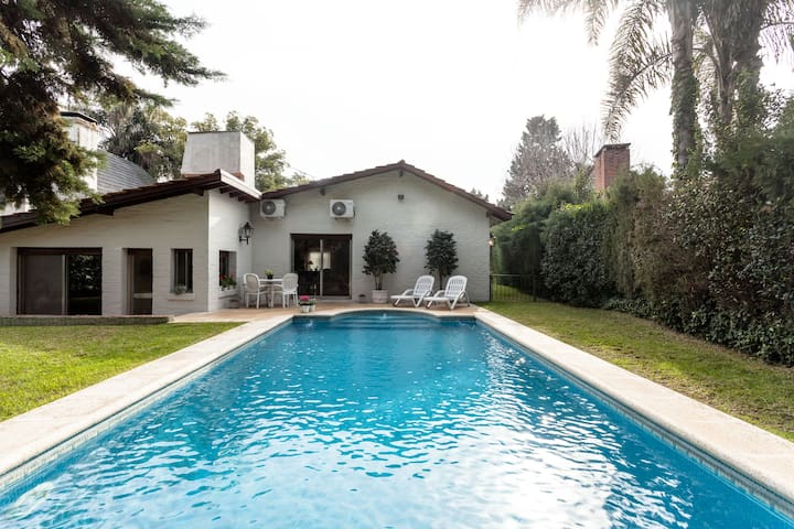 Country House in private Country Club near Pilar - Garin - Apartament