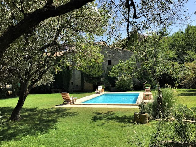 Charming renovated Mazet with swimming pool