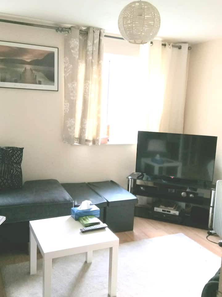 Lovely double room with TV and free parking