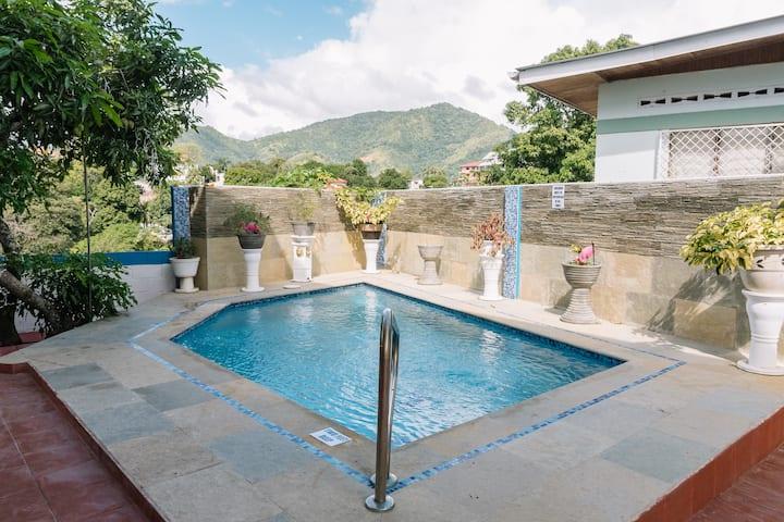 Villa Patricia Private Room #3 En Suite Bathroom