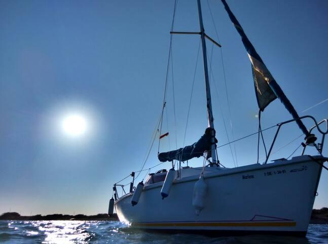 Duerme y navega con patrón en velero para 2 - San Francisco Javier - Boot