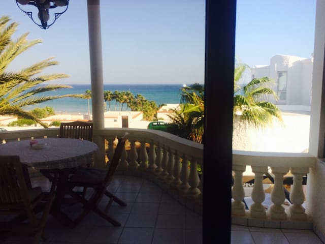 Traumhafte Villa direkt am Atlantik - Costa Calma - Huis