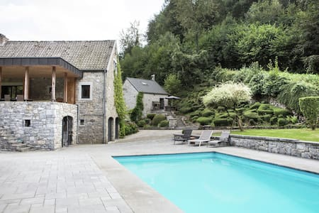 Modern Cottage in Marchin with Swimming Pool