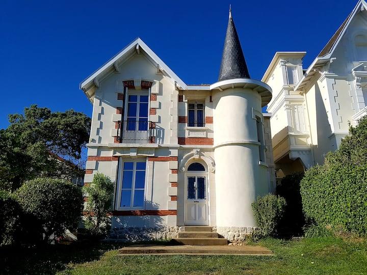 Magnifique villa face à la mer 13 pers 400m plage