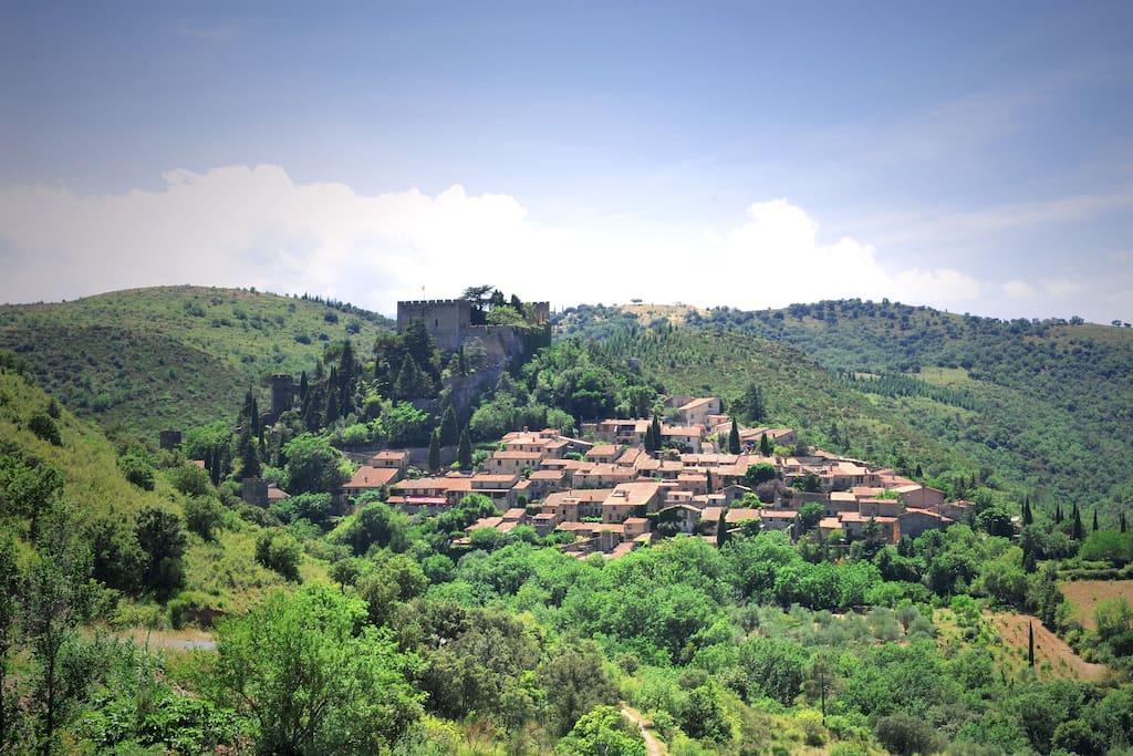 """Castelnou """"Plus Beau Village de France"""" au coeur des Aspres"""