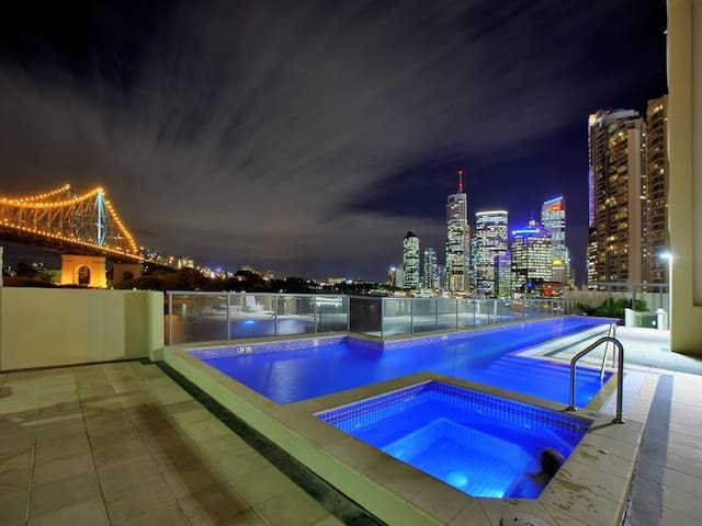 Astra RiverPlace2bd2bt (TFE) - Brisbane - Byt