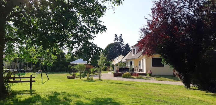 Grande maison avec 6 chambres.A13/A14 Parking,Wifi