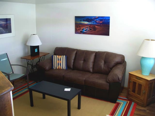 Quiet Apartment near Antelope Cyn, Horseshoe Bend