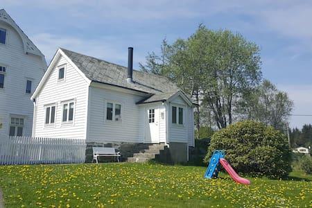 Gamlastova i Kolbeinsvik - Kolbeinsvik - Sommerhus/hytte