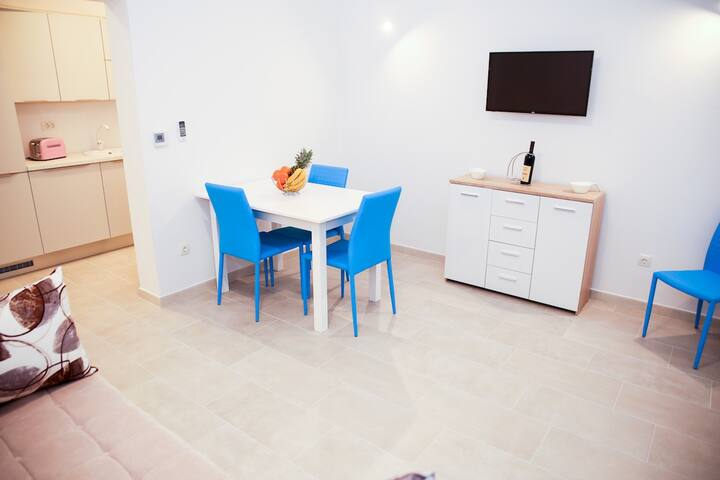 Bluemonte Apartment
