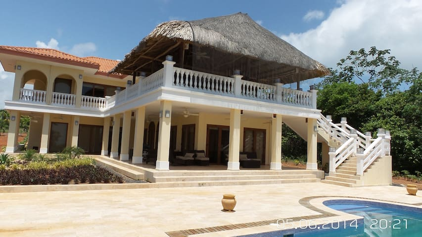 3 BEDROOM VILLA IN ISLA VIVEROS PANAMA