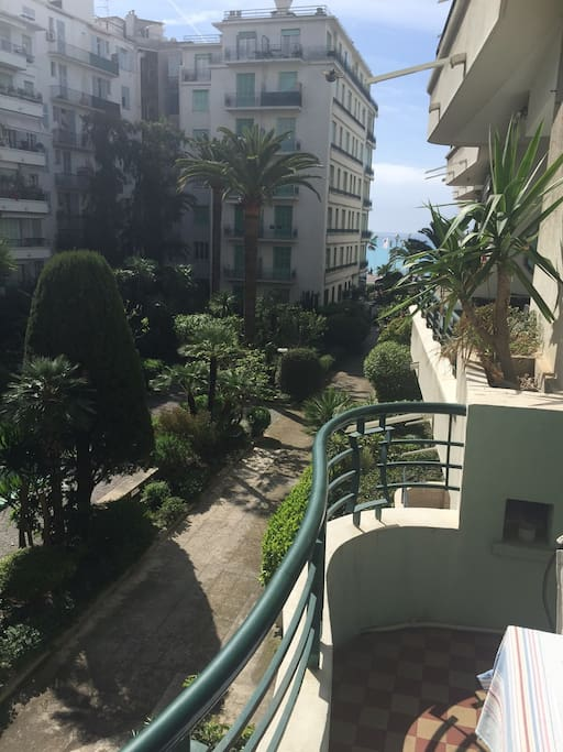 Private gated garden means total peace in centre of the city