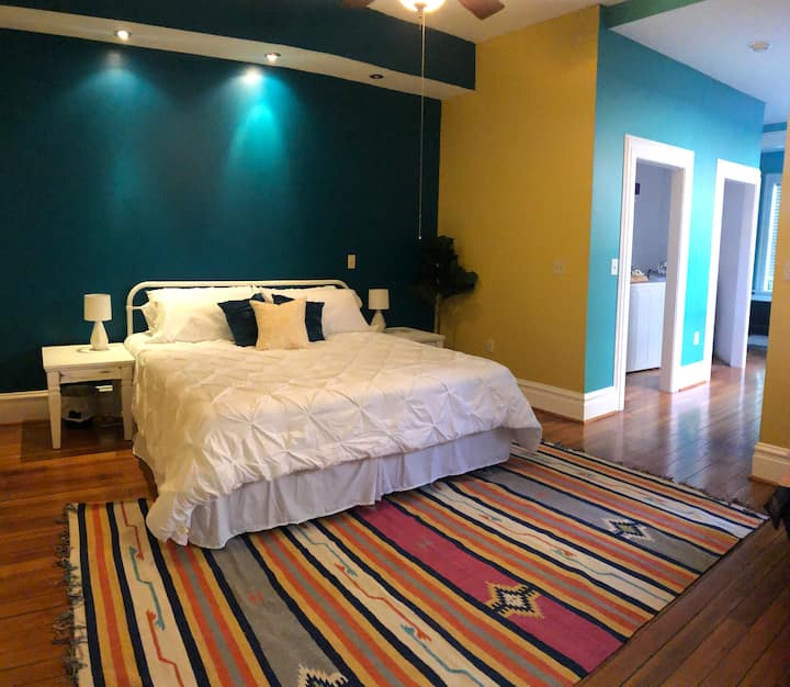 2 Bedroom 2 Bathroom House on Historic Cherokee St
